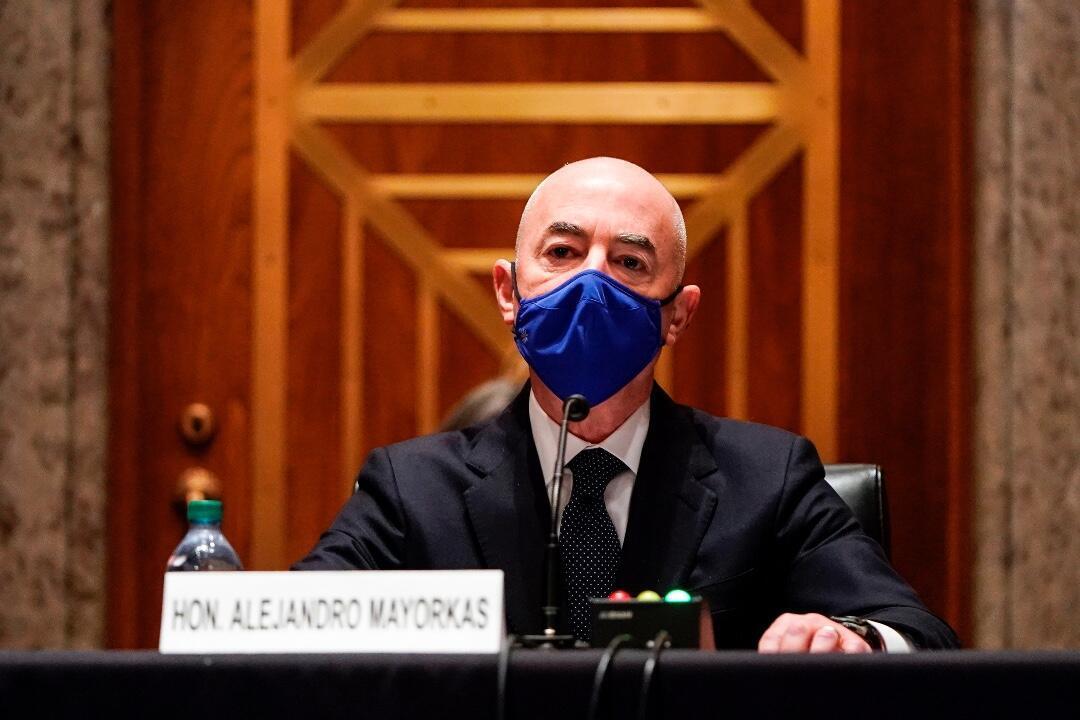 Alejandro Mayorkas, candidato a Secretario de Seguridad Nacional, testifica durante una audiencia de confirmación de Asuntos Gubernamentales y Seguridad Nacional del Senado en el Capitolio en Washington, DC, Estados Unidos, el 19 de enero de 2021.