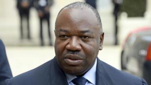 Ali Bongo est accusé par le journaliste français Pierre Péant d'avoir falsifié des documents, dont son acte de naissance.