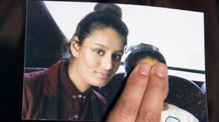 صورة لشاميما بيجوم عرضتها شقيقتها في محاولة لإقناع الحكومة البريطانية بإعادتها للبلاد 22 فبراير/شباط 2015