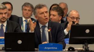 Los jefes de Estado y de Gobierno de los países del G20 participan en la fotografía de familia de la Cumbre del G20 que se celebra en el centro de convenciones Costa Salguero de Buenos Aires en Argentina, el 30 de noviembre de 2018.