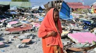 """أحد الناجين من الزلزال والتسونامي في """"بالو"""" الإندونيسية. 03 تشرين الأول/أكتوبر 2018."""