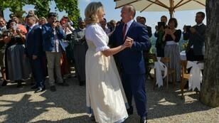 Austrian Foreign Minister Karin Kneissl danced with Russian President Vladimir Putin, who she invited to her August wedding -- a move which raised eyebrows and angered Kiev