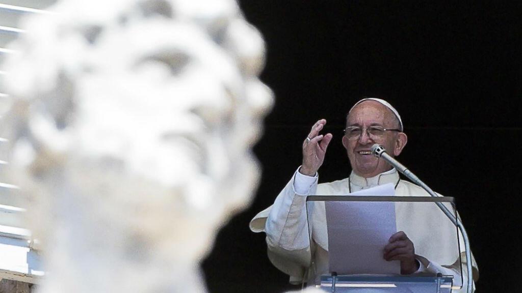 El papa Francisco durante el Ángelus el 17 de junio de 2018 en Ciudad del Vaticano.