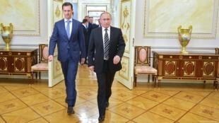 Le président russe Vladimir Poutine accueille son homologue syrien, Bachar al-Assad, à Moscou le 20 octobre 2015