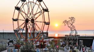 Le parc d'attraction lugubre Dismaland a reçu 150 000 visiteurs en Angleterre depuis le 22 août.