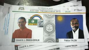ورقة اقتراع تحمل صورة المرشحين