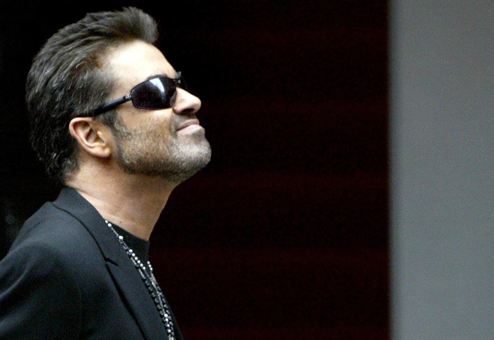 """La pop star anglaise George Michael, légende des années 1980, est mort le jour de Noël. Ce fut son """"Last Christmas"""", à l'âge de 54 ans."""