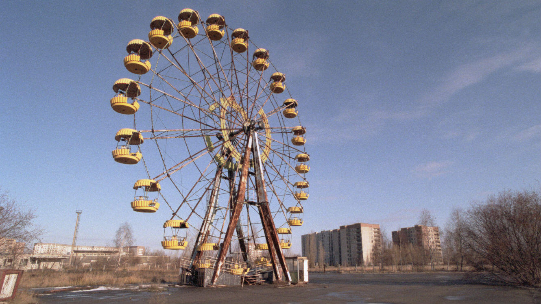 Un parc de jeu abandonné à Pripyat, dans la zone contaminée de Tchernobyl.