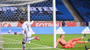 Les Bleus l'emportent face à la Suède 1- 0 à Solna