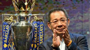 Le propriétaire de Leicester City, Vichai Srivaddhanaprabha, en 2016 après le sacre de son équipe en Premier League.