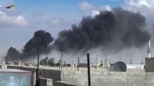 Capture d'écran d'une vidéo du Homs Media Center, montrant une frappe russe dans la province de Homs, le 30 septembre 2015.