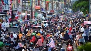 اندونيسيون يبتكرون وسائل لخرق الحظر على السفر وقضاء العيد مع عائلاتهم