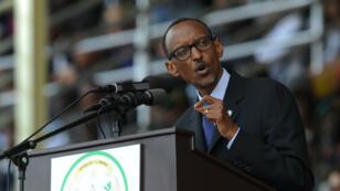 """Si le """"oui"""" l'emporte, le président rwandais, Paul Kagame, pourrait rester au pouvoir jusqu'en 2034."""