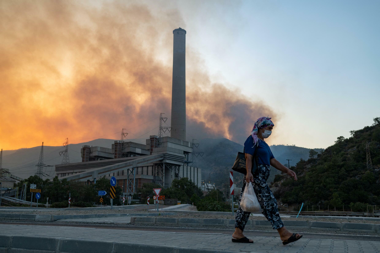Turkey wildfires power plant