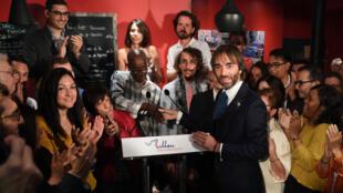 Cédric Villani a déclaré sa candidature depuis un bistrot du 14e arrondissement de Paris.