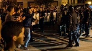 صدامات بين المتظاهرين والشرطة في مدينة الحسيمة في شمال المغرب في 27 أيار/مايو 2017