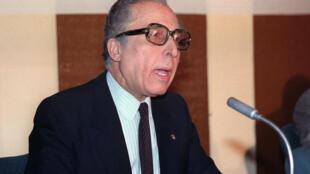 الأمين العام السابق لجامعة الدول العربية الشاذلي القليبي الذي توفي في 13 أيار/مايو 2020، في صورة من الأرشيف تعود الى 28 آذار/مارس 1989