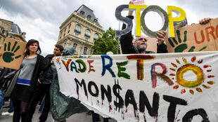 À Paris, la marche mondiale contre Monsanto est partie de la place de la République en direction de Stalingrad.