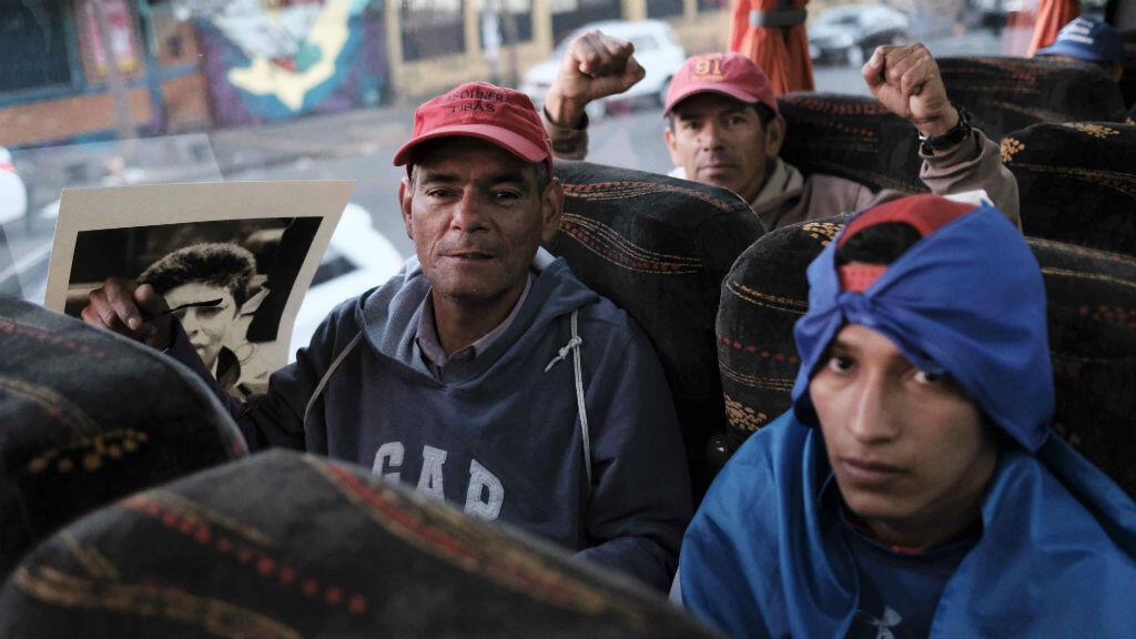Muchos de los nicaragüenses que participaron en la protesta pacífica en Nicaragua hicieron parte de una caravana a bordo de 17 autobuses en la ciudad de San José el 16 de diciembre de 2018.