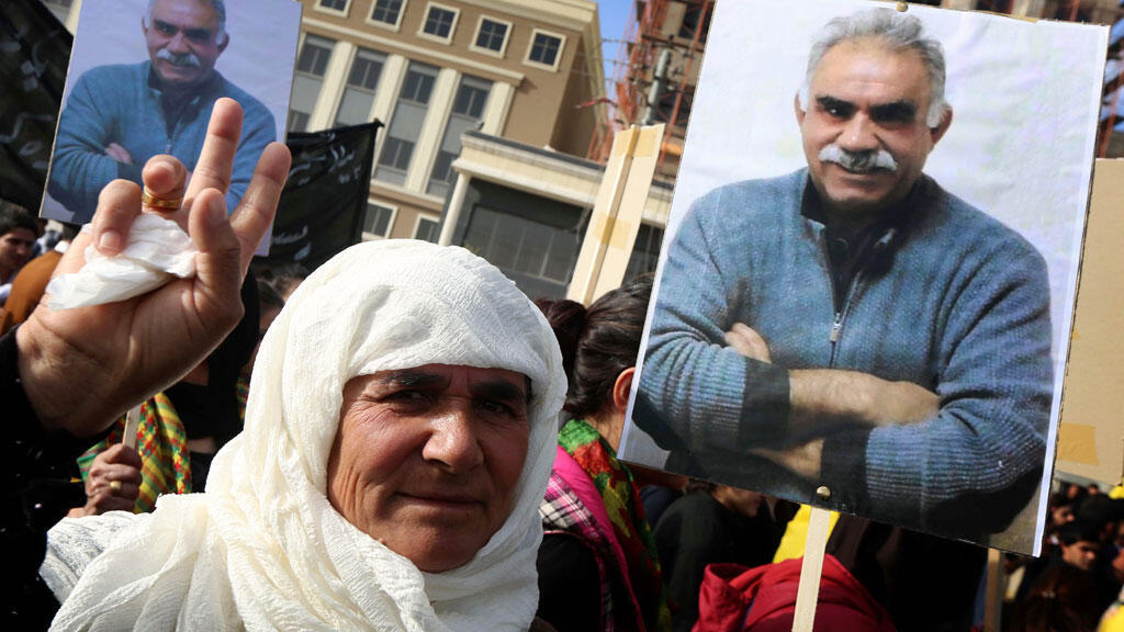 Une partisane du chef emprisonné du PKK, Abdullah Öcalan, à Erbil, le 15 février 2015.