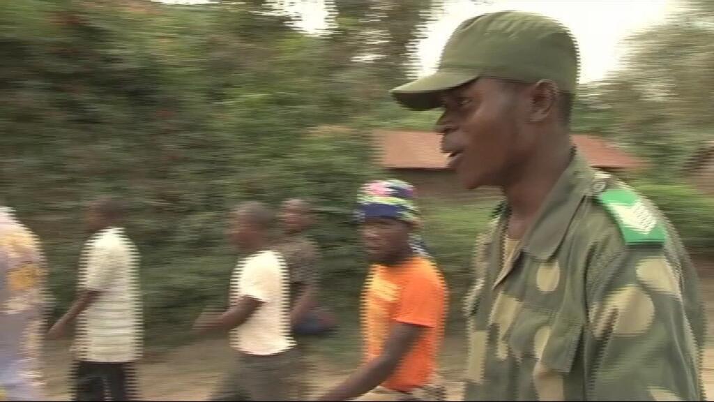 Entraînement d'anciens miliciens dans le camp de Bweremana
