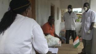 Face à la menace Ebola, la Côte d'Ivoire a renforcé ses mesures de prévention.