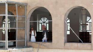 صورة من هجمات الجمعو بصنعاء