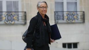 Outre le ministère de la Transition écologique, Élisabeth Borne conserve le portefeuille des Transports.