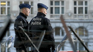 Des policiers montent la garde devant le tribunal de Bruxelles, le 7mars2019, durant le procès de Mehdi Nemmouche.