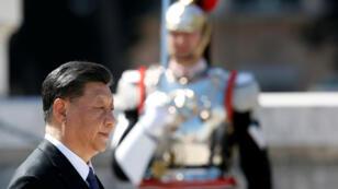 El presidente chino, Xi Jinping, antes de acudir a una ceremonia en la Tumba del Soldado Desconocido en la Piazza Venezia de Roma, Italia, el 22 de marzo de 2019.