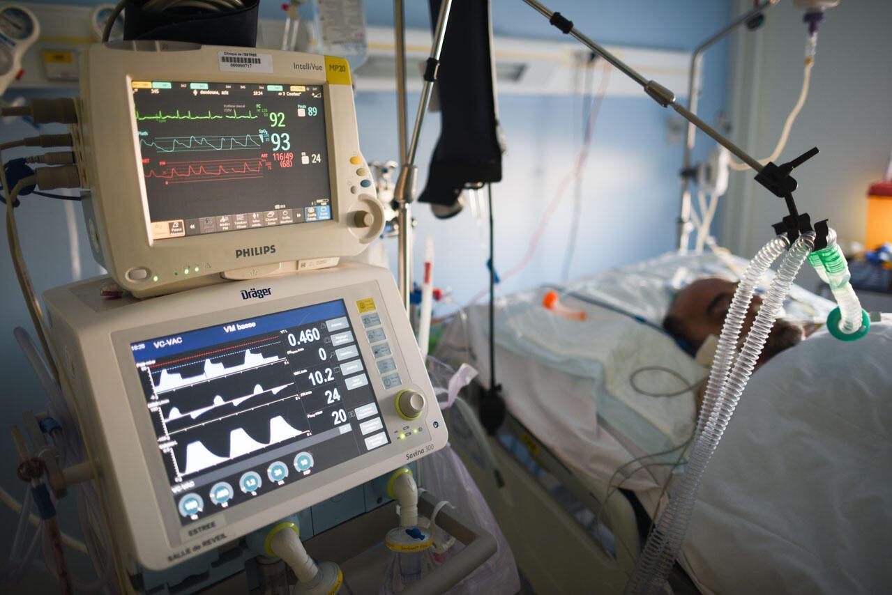 Plusieurs respirateurs et moniteurs de contrôle ont été prêtés par d'autres cliniques du groupe Elsan.