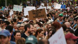 Des milliers de personnes ont défilé à Boston le 19 août 2017 contre le racisme.