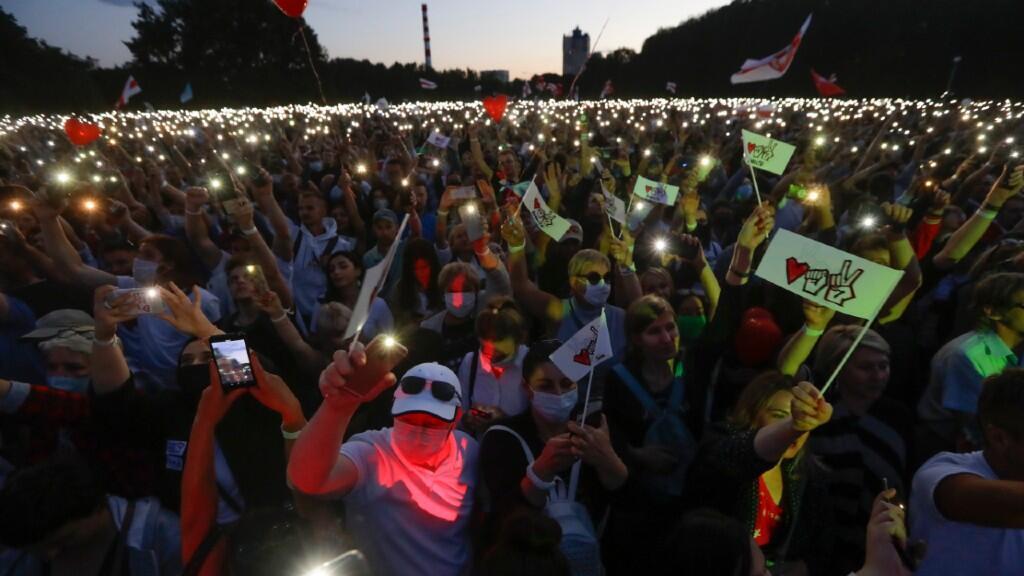 Imagen de uno de los mitines multitudinarios de la oposición, encabezados por Svetlana Tikhanovskaya. En Minsk, el 30 de julio de 2020.