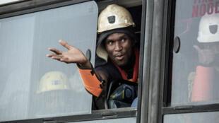Un mineur sorti de la mine d'or de Driefontein, à Carletonville, au sud-ouest de Johannesburg.