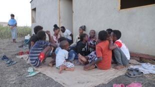 Les Ethiopiens fuient le conflit au Tigré par milliers.