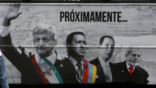 Anuncio en camión con imagen del candidato Andrés Manuel López Obrador junto a los líderes latinoamericanos Hugo Chávez y Lula da Silva. Ciudad de México, México, el 25 de abril de 2018.