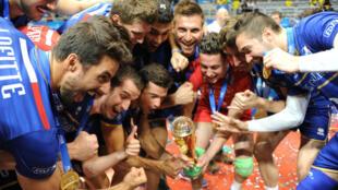 Les Bleus ont remporté la toute première Ligue mondiale de leur histoire.