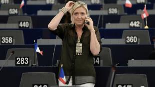 La candidate du Front national à la présidentielle, Marine Le Pen, est élue au Parlement européen depuis 2004.