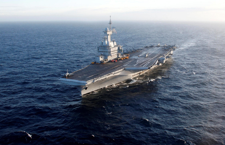 FILE PHOTO: El 'Charles de Gaulle, buque insignia de la armada francesa en el mar Mediterráneo Marzo 7 de 2019.