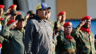 الرئيس الفنزويلي نيكولاس مادورو خلال عرض عسكري في كاراكاس 4 فبراير/شباط 2019