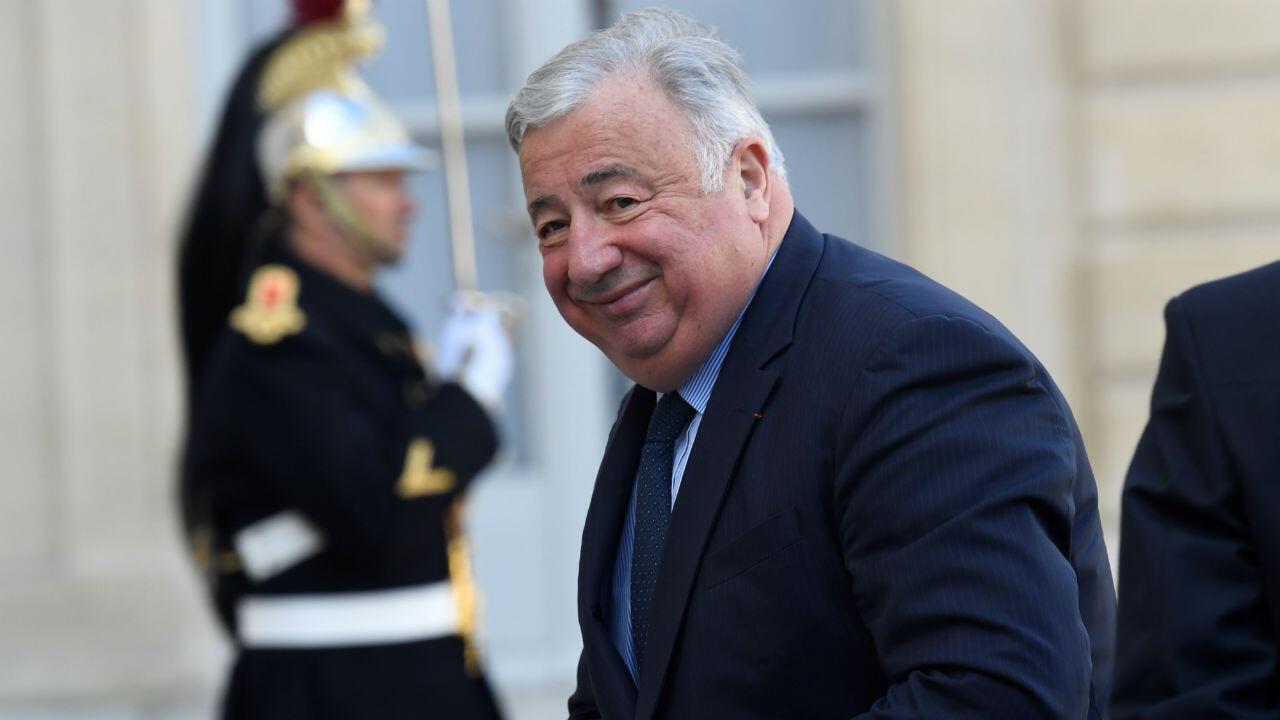 Gérard Larcher, en tant que président du Sénat, est le troisième personnage de l'État selon l'ordre protocolaire.