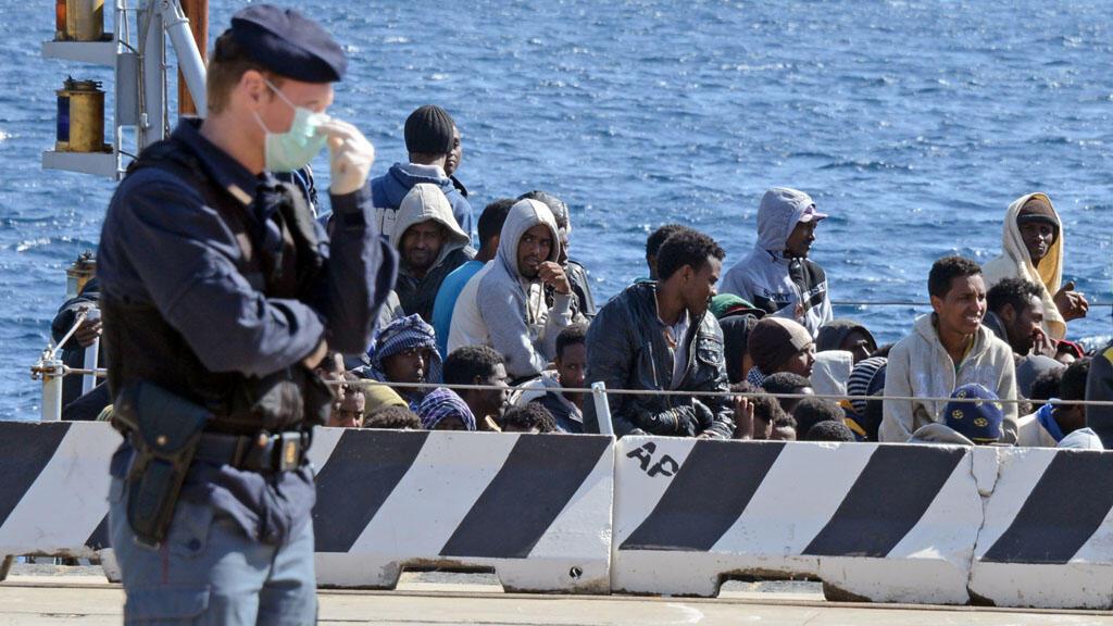 L'Union européenne organise des réunions pour prendre des mesures à la suite des naufrages de migrants en mer Méditerranée.