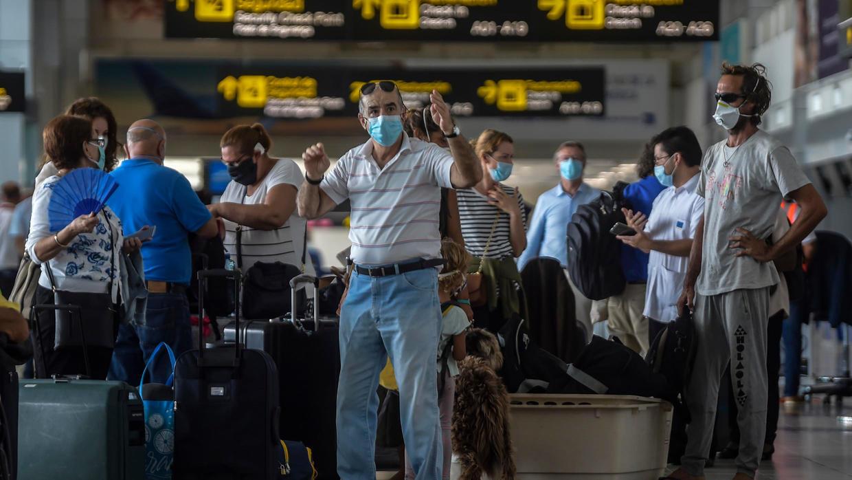 أوروبيون، بينهم 59 فرنسيا،  ينتظرون في مطار بنما للسفر إلى باريس، 11 مايو/ أيار 2020