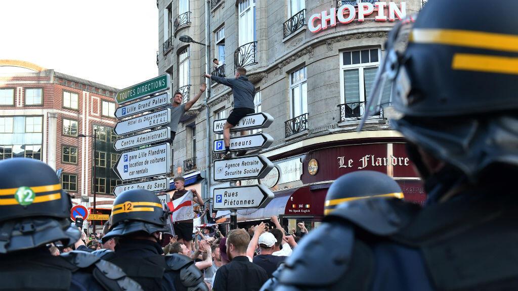 Des supporters dans les rues de Lille, le 15 juin 2016.