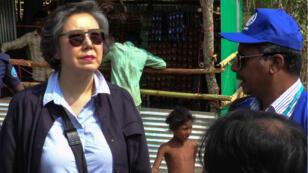 L'envoyée spéciale de l'ONU en visite dans un camp de réfugiés rohingyas au Bangladesh.