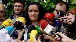 Yolanda Fuentes (C, en octubre de 2014) renunció como directora de Salud Pública de la Comunidad de Madrid, por estar en desacuerdo, según la prensa, con flexibilizar el confinamiento en la capital, la región más golpeada por el coronavirus