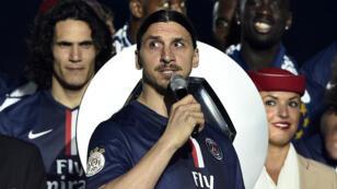 """Zlatan Ibrahimovic lors de la remise du trophée de champion de France au PSG, s'est écrié """"Vive la France !""""."""