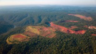 Vue aérienne du site minier de Vale, la plus grande compagnie minière du Brésil, dans l'État de Para situé dans le nord-est du pays.