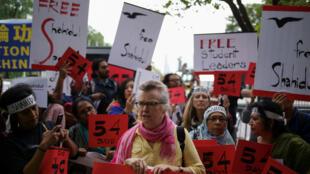 Periodistas y activistas protestan contra el arresto del fotoperiodista de Bangladesh Shahidul Alam, mientras la Primera Ministra, Sheikh Hasina, asiste a la Asamblea General de las Naciones Unidas en Nueva York, Estados Unidos, el 27 de septiembre de 2018.