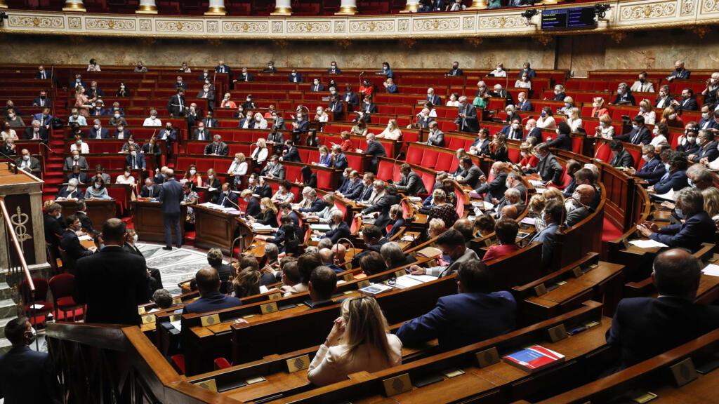 """La loi """"sécurité globale"""" définitivement adoptée par le Parlement"""